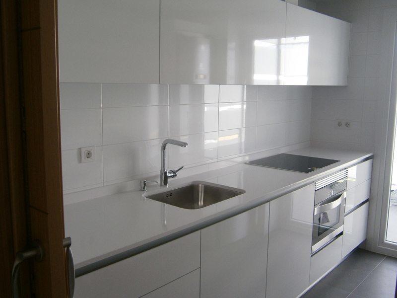 Cocinas de obra neutras para que las decores t - Muebles de cocina de obra ...