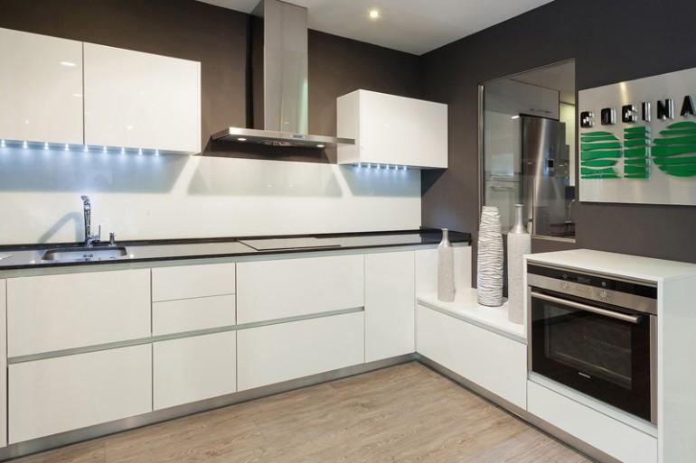 Exposici n cocinas en madrid modelo rey gola cocinas - Muebles de cocina de exposicion ...