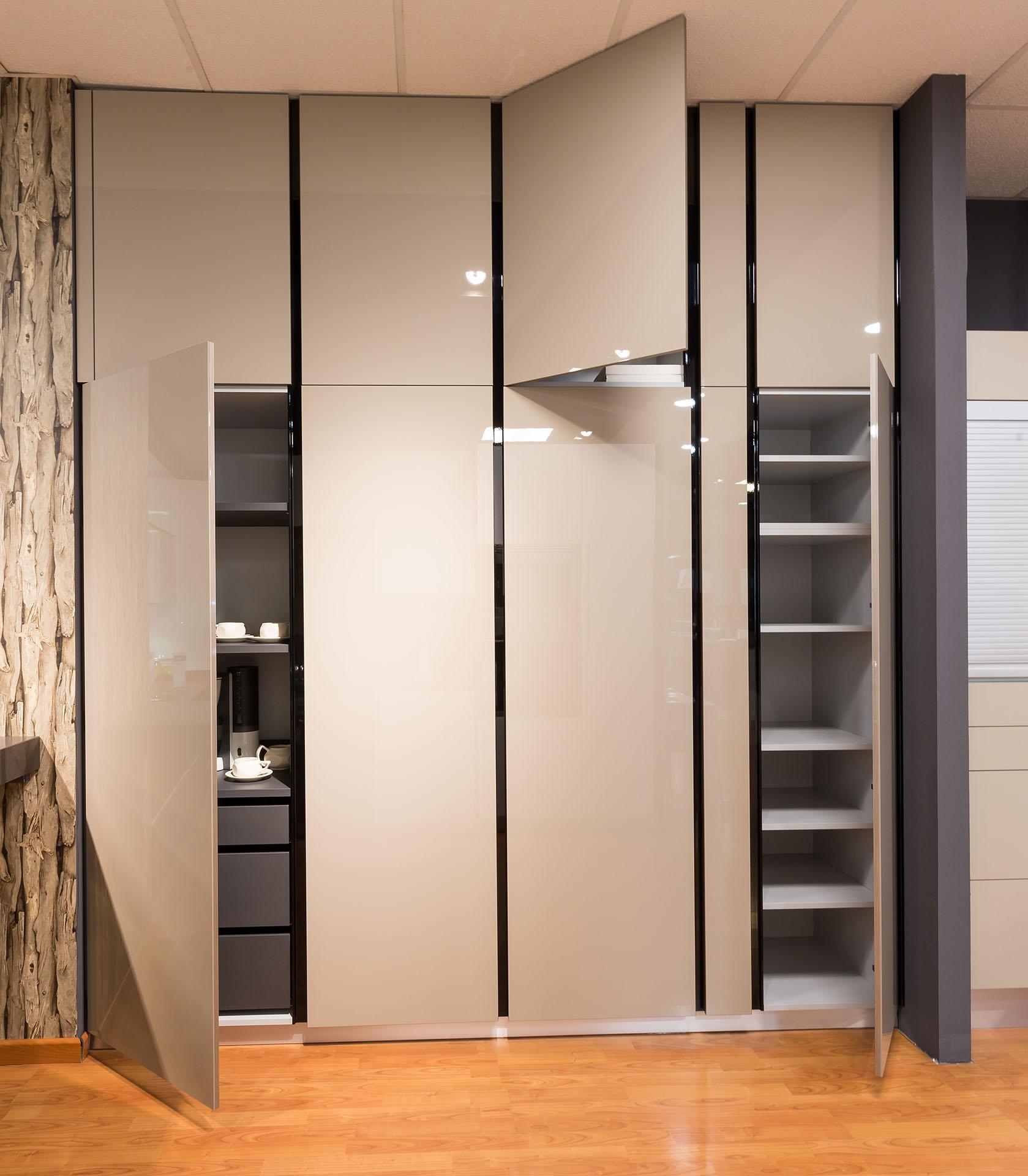 Almacenajes en cocinas todo guardado todo integrado for Mueble cajones pequenos