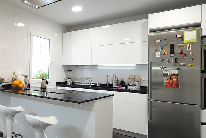 Salvando problemas creando hogares cocinas rio - Frigorifico americano medidas ...